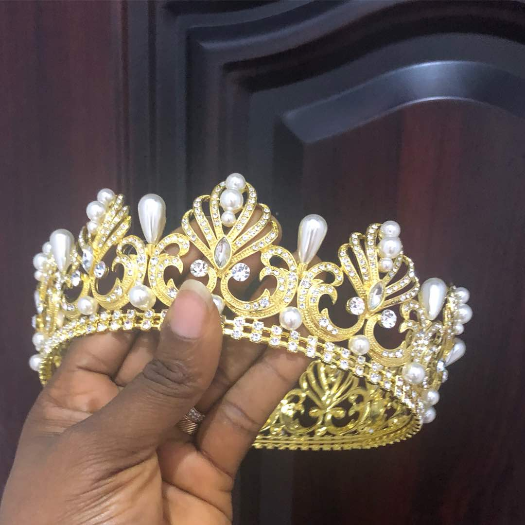 Pearly Gold Crown